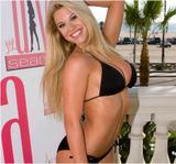 Taryn Terrell - Bikini candids in Miami June 12 Foto 23 (Тэрин Террелл - Bikini Candids в Майами, 12 июня Фото 23)