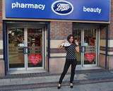 Майлин Класс, фото 872. Myleene Klass Promoting her fingernail range at Boots store in Liverpool - 02.02.2012, foto 872