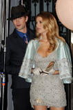 http://img176.imagevenue.com/loc340/th_80434_blake-lively-on-set-of-gossip-girl-in-nyc-20090903-10_122_340lo.jpg