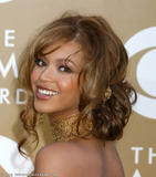Photos de Beyonce avec différentes coupes de cheveux th 29321 beyonce mix tetra 9234 123 405lo