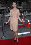http://img176.imagevenue.com/loc430/th_32086_Celebutopia-Katherine_Heigl-Knocked_Up_premiere-05_123_430lo.jpg