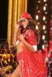 th_98848_Victoria_Secret_Celebrity_City_2007_FS433_123_514lo.jpg