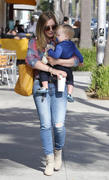 http://img176.imagevenue.com/loc541/th_443190142_Hilary_Duff_Out_and_About_with_Luca29_122_541lo.jpg