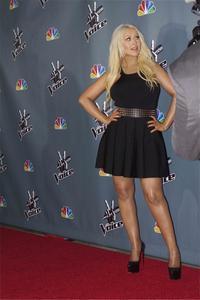 [Fotos+Videos] Christina Aguilera en la Premier de la 4ta Temporada de The Voice 2013 - Página 4 Th_986018953_Christina_Aguilera_60_122_558lo