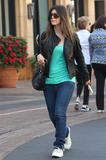 th_72199_celebrity-paradise.com-The_Elder-Brittny_Gastineau_2009-10-25_-_out_shopping_in_Hollywood_122_562lo.jpg